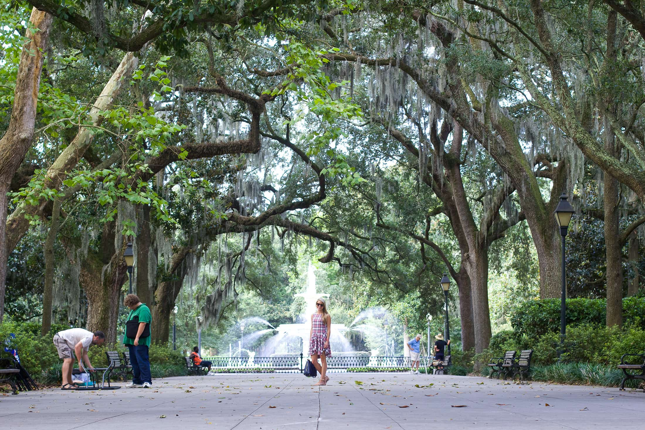 Savannah Forsyth Park Styled Snapshots