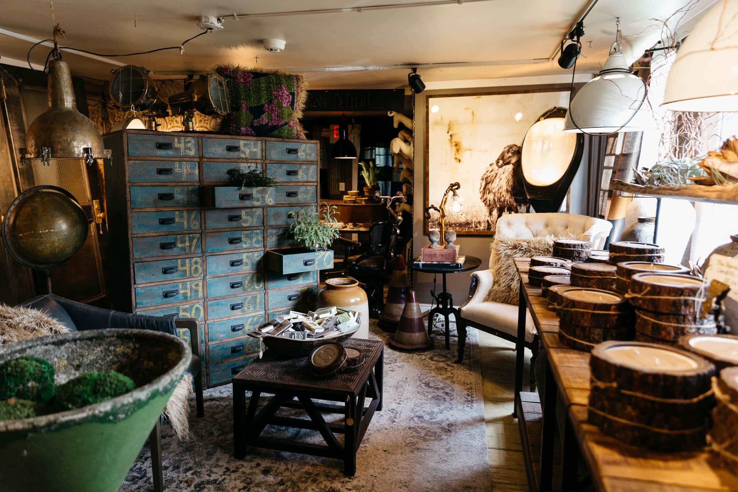 Zinc Home Decor Store