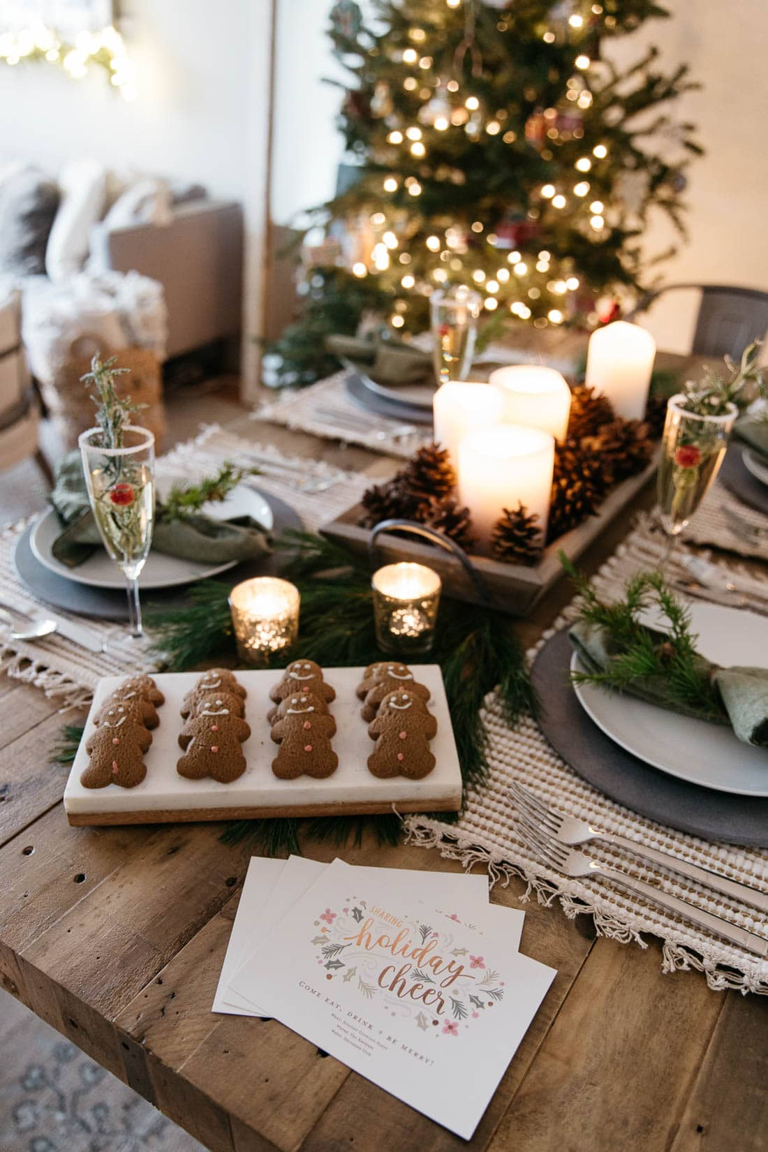 festive holiday tablescape