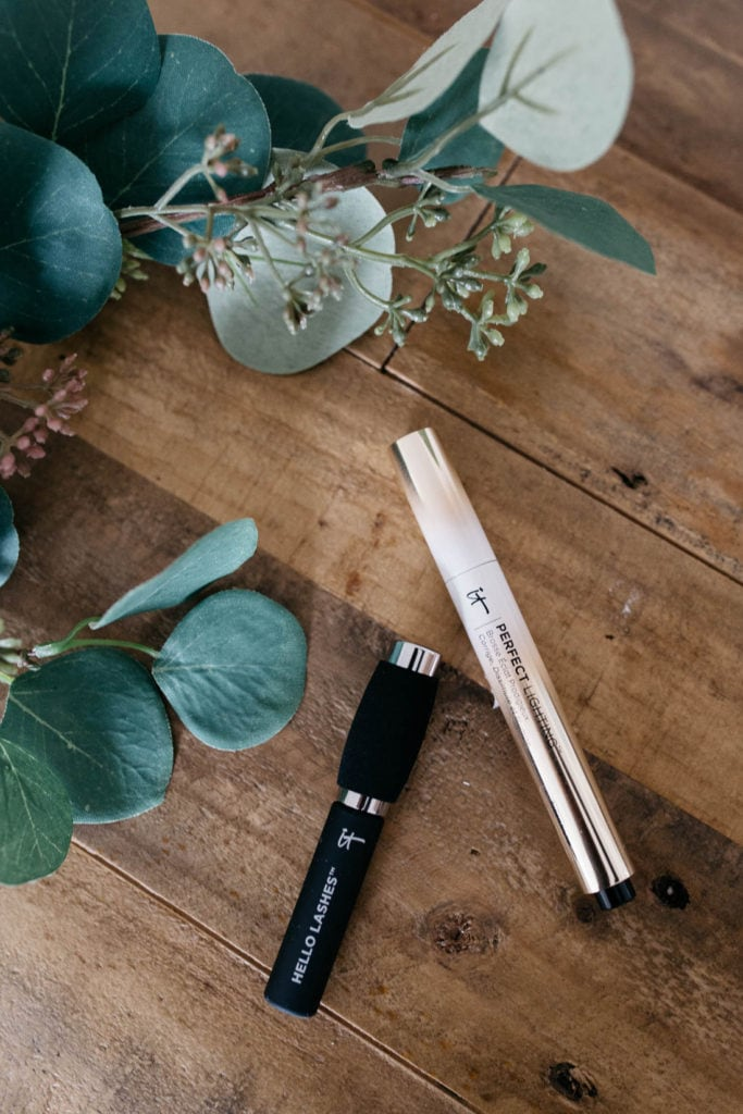IT Cosmetics Perfect Lighting with Travel-Size Hello Lashes